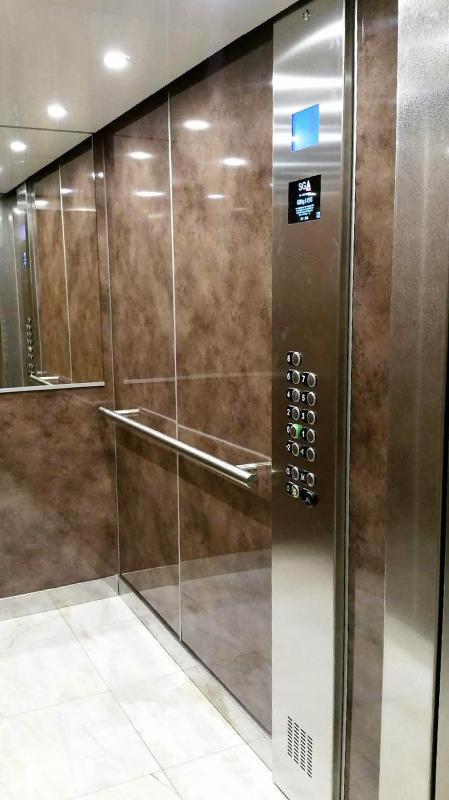 habillage des parois de cabine d 39 ascenseur. Black Bedroom Furniture Sets. Home Design Ideas