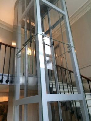 Ascenseur pylone vitre