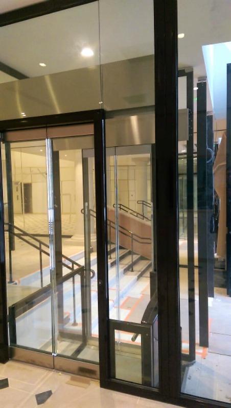 Ascenseur vitré