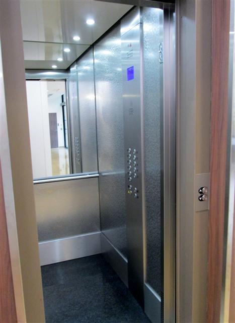 habillage de cabines d 39 ascenseurs oise paris. Black Bedroom Furniture Sets. Home Design Ideas
