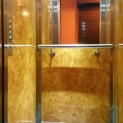 Habillage de cabine d'ascenseur